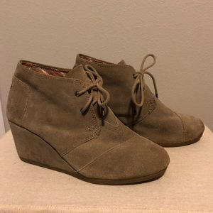 TOMS Taupe Suede Desert Wedges / Lace Up Booties
